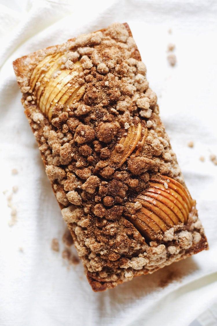 Apple Cinnamon Crumble Bread