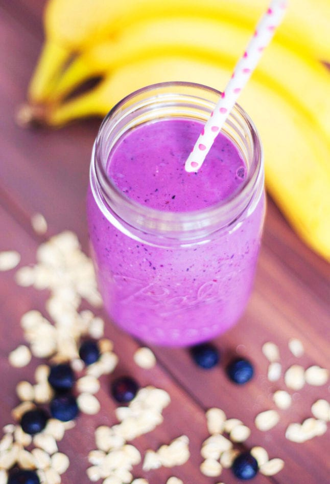 Blueberry-Oatmeal Breakfast Smoothie | asimplepalate.com