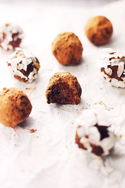 5 Ingredient Avocado Coconut Oil Truffles | asimplepalate.com