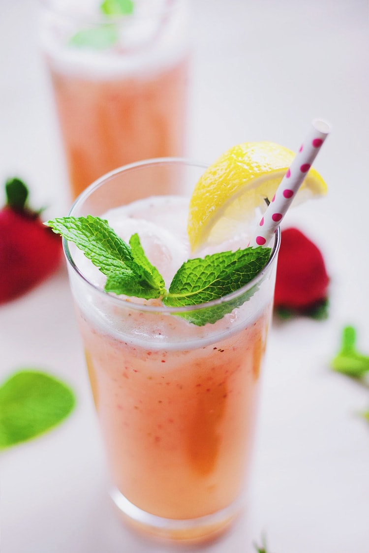 Sparkling Strawberry Mint Lemonade – A Simple Palate