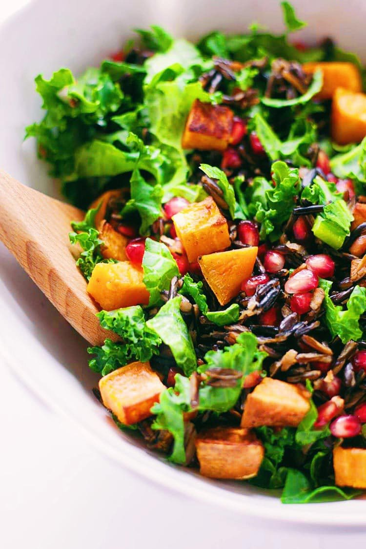 Kale & Wild Rice Autumn Salad with Lemon Herb Dressing - Easy, healthy salad to help get into the Fall spirit! Get the recipe HERE: asimplepalate.com