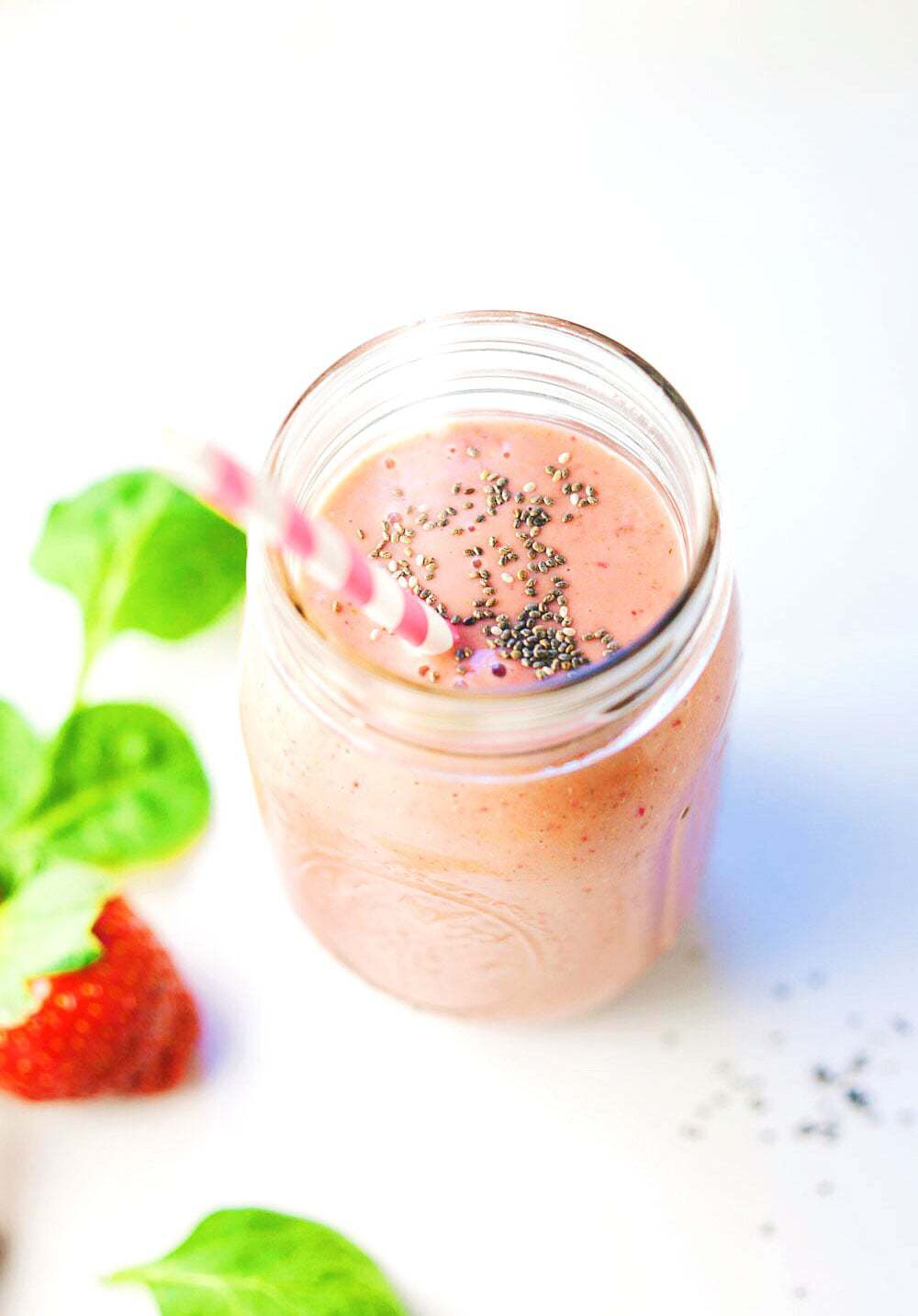Strawberry Chia & Spinach Sunrise Smoothie - Nutrient-filled, colorful ingredients packed into a flavorful smoothie to boost energy! My FAVORITE smoothie.