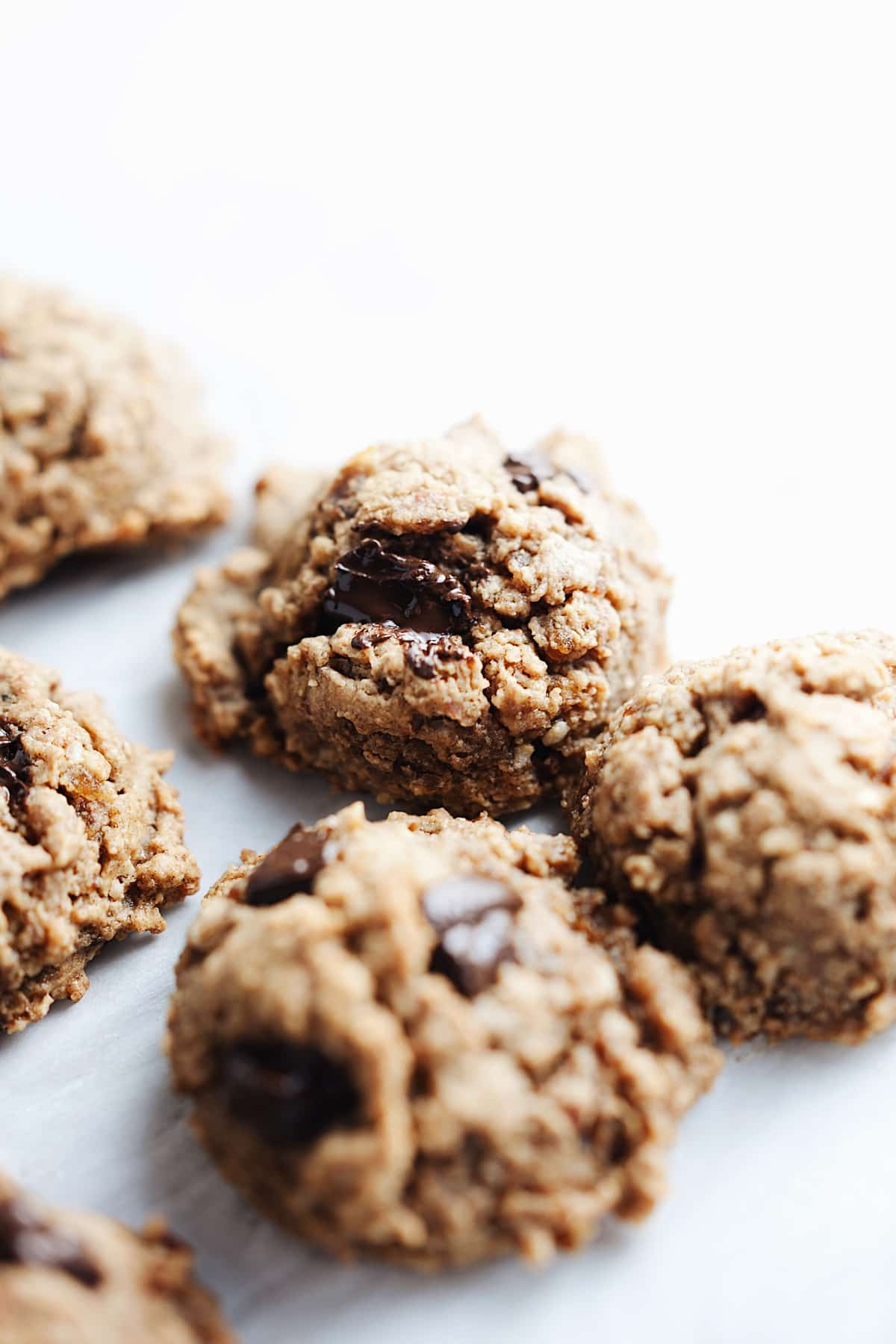 Protein cookies with chocolate chips
