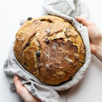 Dutch Oven Cinnamon Raisin Bread