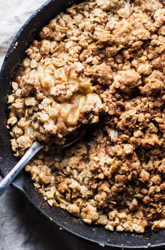 Classic Cinnamon Apple Crumble