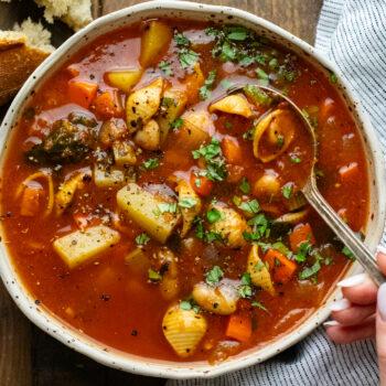 Hearty Italian Minestrone Soup