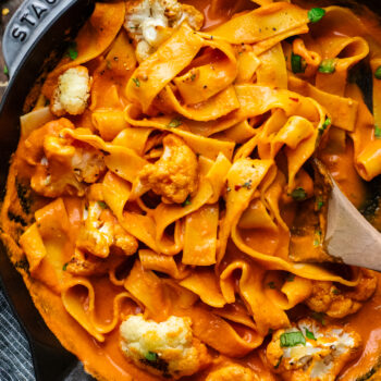 Roasted Cauliflower Pasta with Red Pepper Sauce
