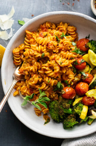 Cheesy Rotini Pasta with Roasted Vegetables